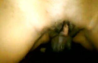Adolescente follandoenlaplaya asiática follada duro en la cama