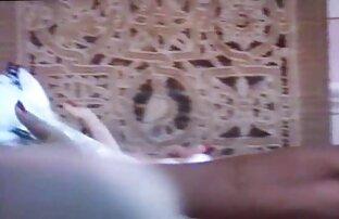 Chica amateur follada a través follando en la playa amateur de bragas sin entrepierna