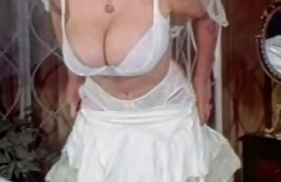 Britney Long le hace una follando en la playa gratis mamada secreta a Donny Long mientras Heath