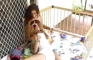 Capri Cavanni nudistas teniendo sexo y Jessica Jaymes se comen